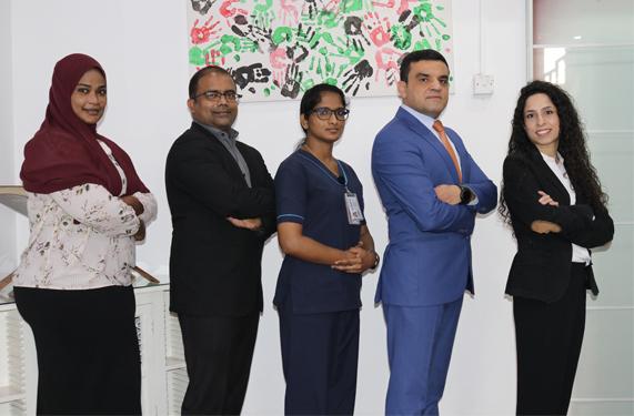 فريق علاقات المرضى متعددي الثقافات والقبول